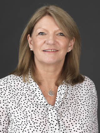 portrait_thumb_Jayne_ Russell_consultant_01